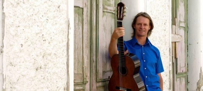 David Russell habla de sus primeras experiencias con la guitarra.